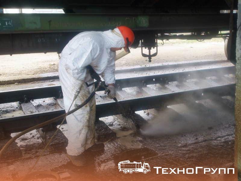 Удаление нефтяных загрязнений водой высокого давления